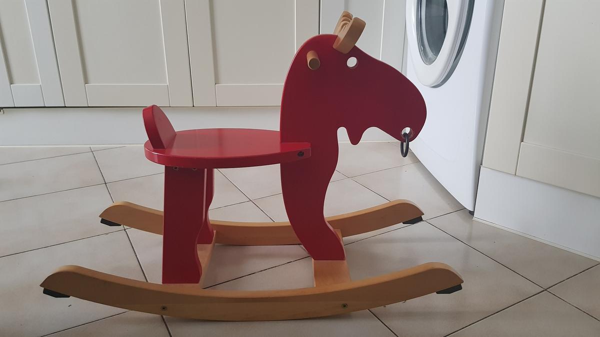 Cavallo A Dondolo Ikea